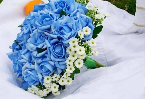 Bouquet – Blues Roses